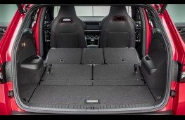 Land Rover Discovery, 2017, boot 2