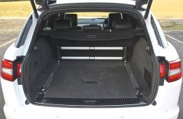Jaguar XF Sportbrake, cargo space