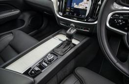 Volvo V60, 2018, gear lever