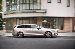Volvo V60, 2018, side, action