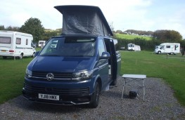 VW Transporter T28 T6 Highline camper, front