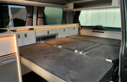 VW Transporter T28 T6 Highline camper, interior