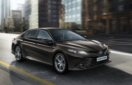 Toyota Camry, 2018, front