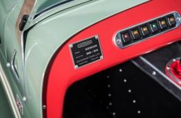 Caterham Seven Sprint, switches