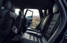 Porsche Cayenne S Diesel, rear seats