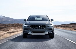 Volvo V90 Cross Country, front