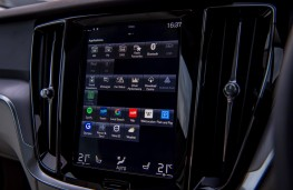 Volvo V60 Cross Country, display screen