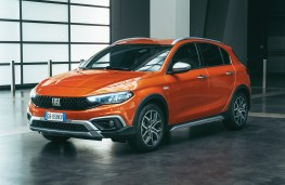 Fiat Tipo Cross, 2020, front