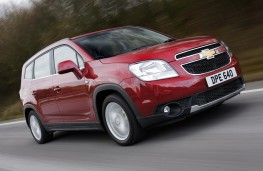 Chevrolet Orlando front action