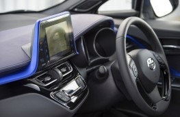 Toyota C-HR Limited Edition, 2017, dashboard