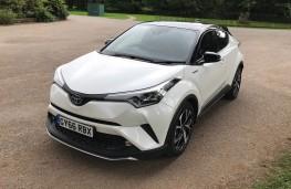 Toyota C-HR, 2017, front