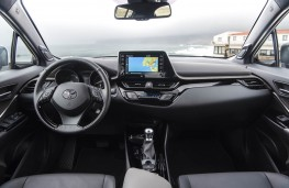 Toyota C-HR, 2019, interior