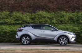 Toyota C-HR, 2017, side, action