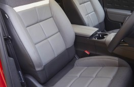 Citroen C5 Aircross, front seats