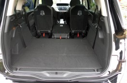 Citroen Grand C4 Space Tourer, boot 1