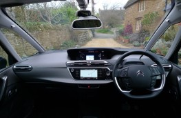 Citroen Grand C4 Space Tourer, dashboard