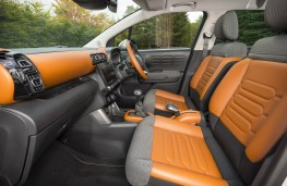 Citroen C3 Aircross, front seats