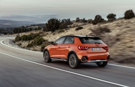 Audi A1 citycarver, 2019, rear, action