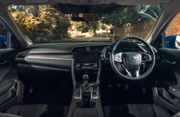 Honda Civic saloon, 2018, dashboard