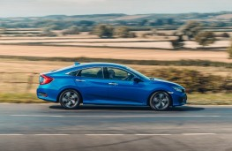 Honda Civic saloon, 2018, side, action