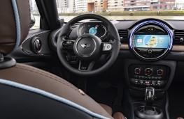 Renault Clio Iconic, 2019, interior