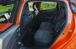 Renault Clio Iconic, 2019, rear seats