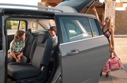 Ford Grand C-MAX, rear