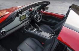 Mazda MX-5 RF, 2017, cockpit