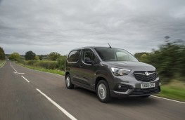 Vauxhall Combo, 2018, front