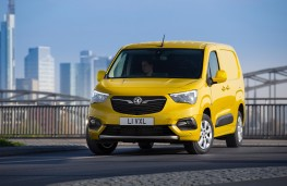 Vauxhall Combo-e, 2021, front