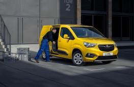 Vauxhall Combo-e, 2021, loading