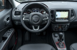 Jeep Compass Trailhawk, 2019, dashboard