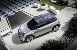 MINI Cooper S Convertible, Union Jack hood