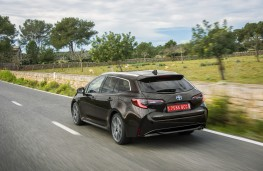 Toyota Corolla Touring Sports, 2019, rear