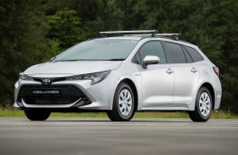 Toyota Corolla Commercial, 2021, front
