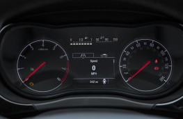Vauxhall Corsa, 2018, instrument panel