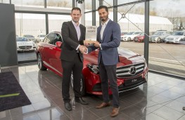 John Challen, director of UK Car of the Year Awards (left), with Krishan Bodhani, head of smart and product management, Mercedes
