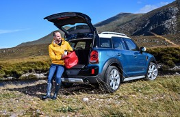 MINI Countryman, 2016, Picnic Bench, seated