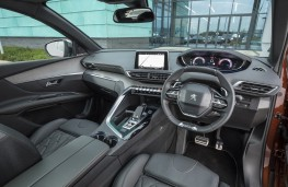 Peugeot 3008 GT, 2017, Coupe Franche, interior