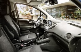 Ford Transit Courier, 2018, interior