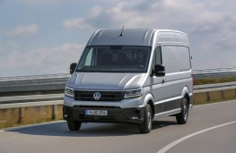 Volkswagen Crafter, 2017, front, action