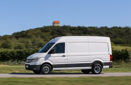Volkswagen Crafter, 2017, side, action