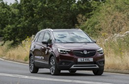 Vauxhall Crossland X, 2018, front, action