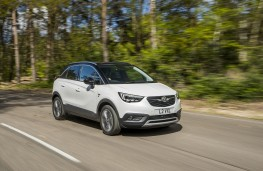 Vauxhall Crossland X, 2017, front, action
