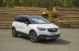 Vauxhall Crossland X, 2017, front, static