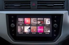 SEAT Arona FR, 2018, display screen