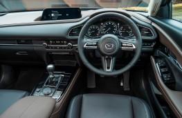 Mazda CX-30, dashboard