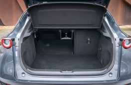 Mazda CX-30, boot