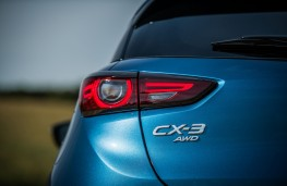 Mazda CX-3, 2018, badge