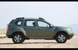 Dacia Duster, side static